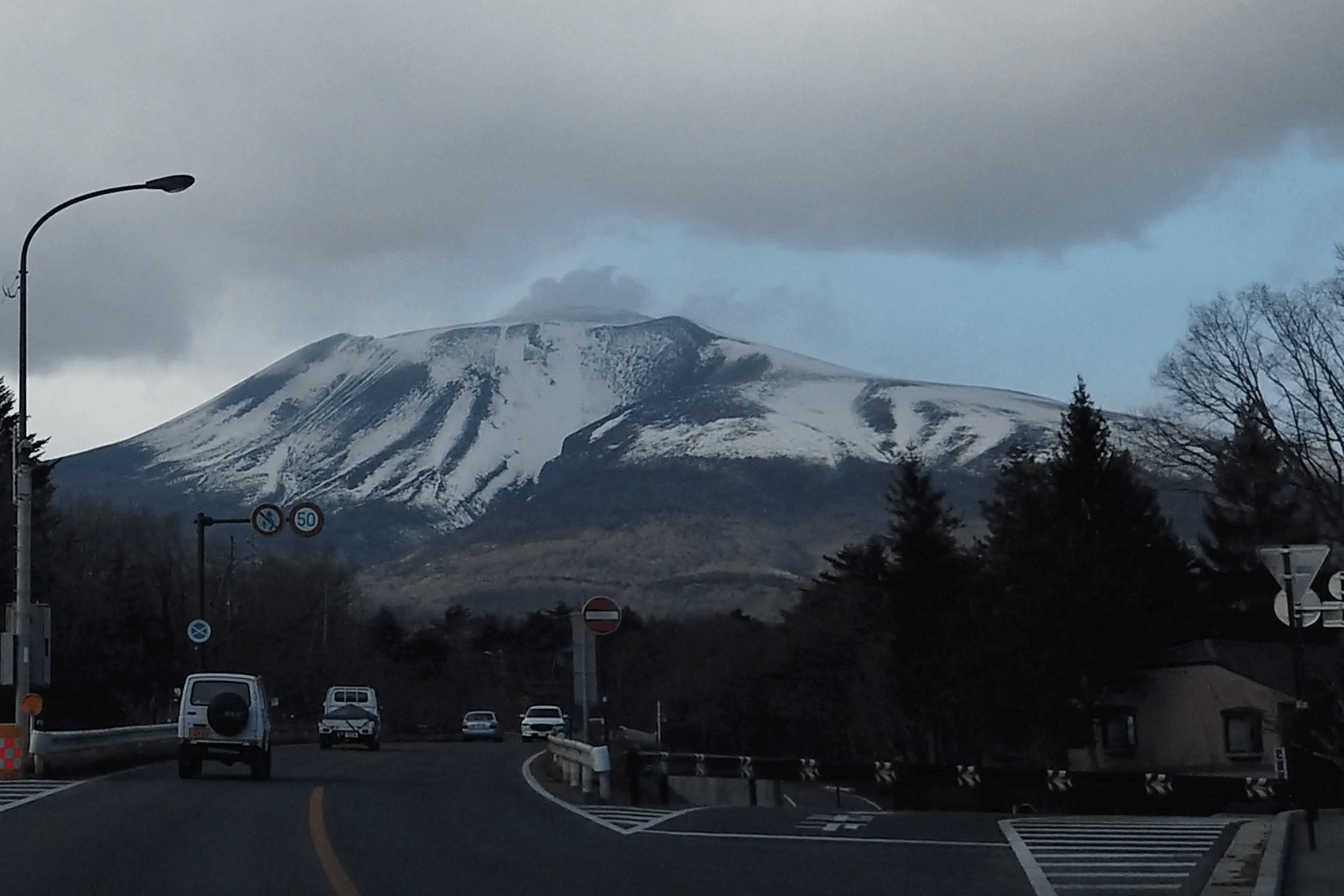 軽井沢「国道18号下りからの浅間山」